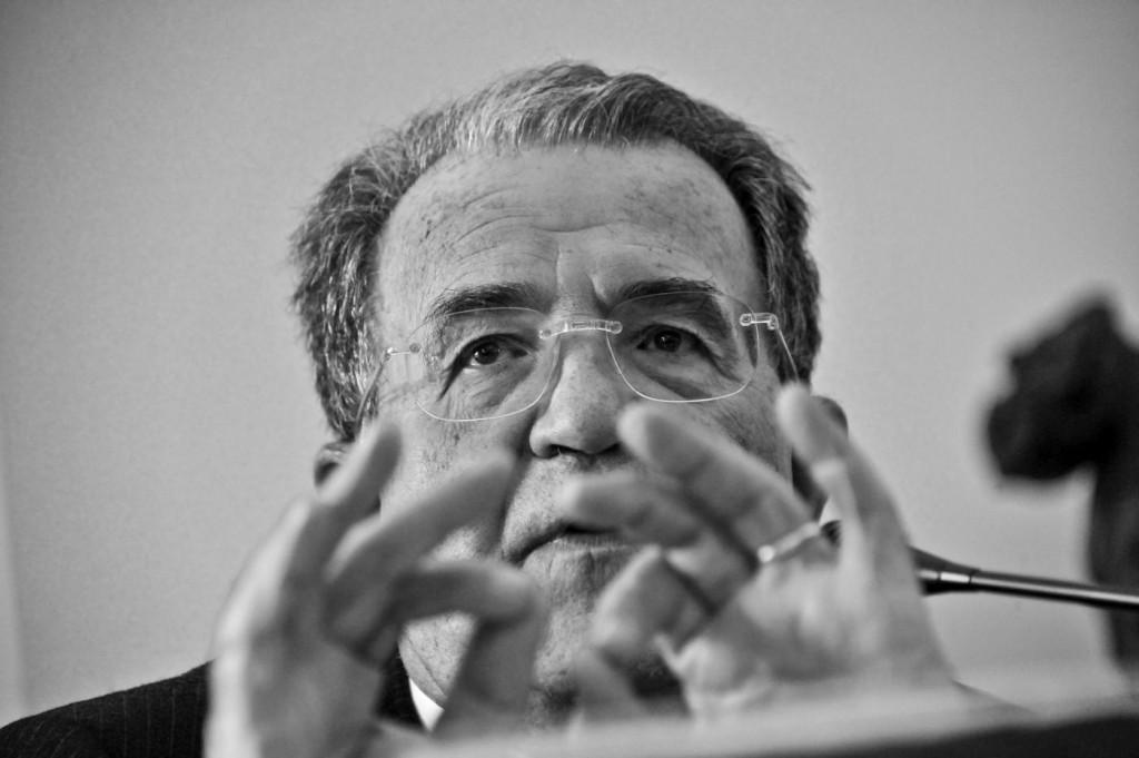 """Prodi: """"D'Alema mente. È una gabbia di matti e la chiave s'è persa"""""""
