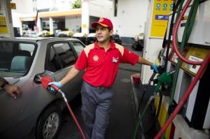 Benzina, distributori Shell diventano Q8: dal 2014 cambiano oltre 800 stazioni
