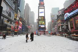 Times Square innevata