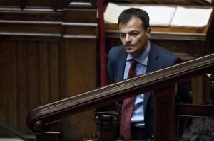Stefano Fassina: blocco regole lavoro, assunzioni statali. New Deal alla gricia