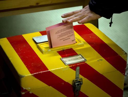 Svizzera, la campagna vota contro la città. Il referendum è una scelta identitaria (foto Lapresse)