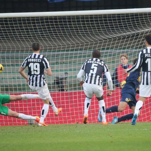 Serie A, 23esima giornata: Juve meno cannibale, Lazio-Roma 0-0. Higuain batte Balo