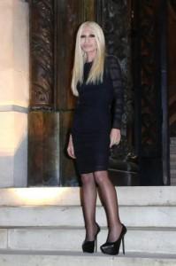 Versace, entra Blackstone con 150 milioni: al fondo il 20% della maison