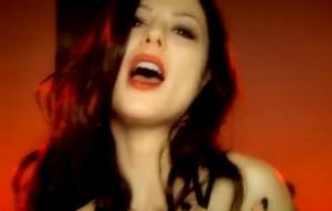 """""""Defaillance"""", il nuovo video di Naike Rivelli"""