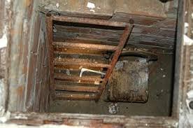 Caserta, trovato un bunker dei casalesi. Doveva ospitare Michele Zagaria