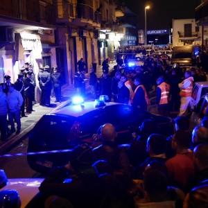 Il centro estetico di Arzano circondato dalla Polizia
