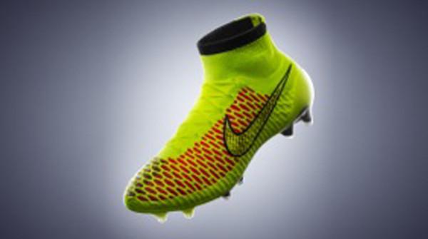 ultime scarpe da calcio nike