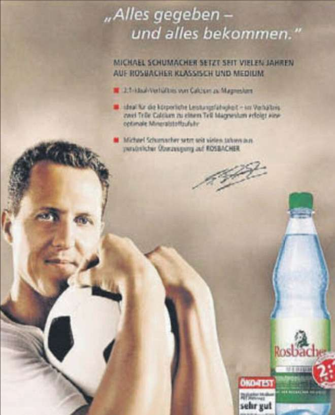 Michael Schumacher sulla pubblicità di un'acqua minerale (foto). Fan infuriati