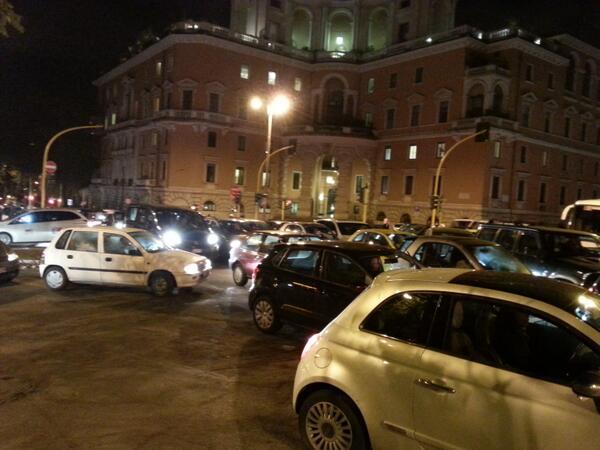 Roma, scontro Vigili-Comune dopo lo stop al concorso. Traffico a rischio caos