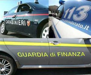 """Polizia, Carabinieri e Finanza scrivono a Renzi: """"No tagli, no accorpamenti"""""""