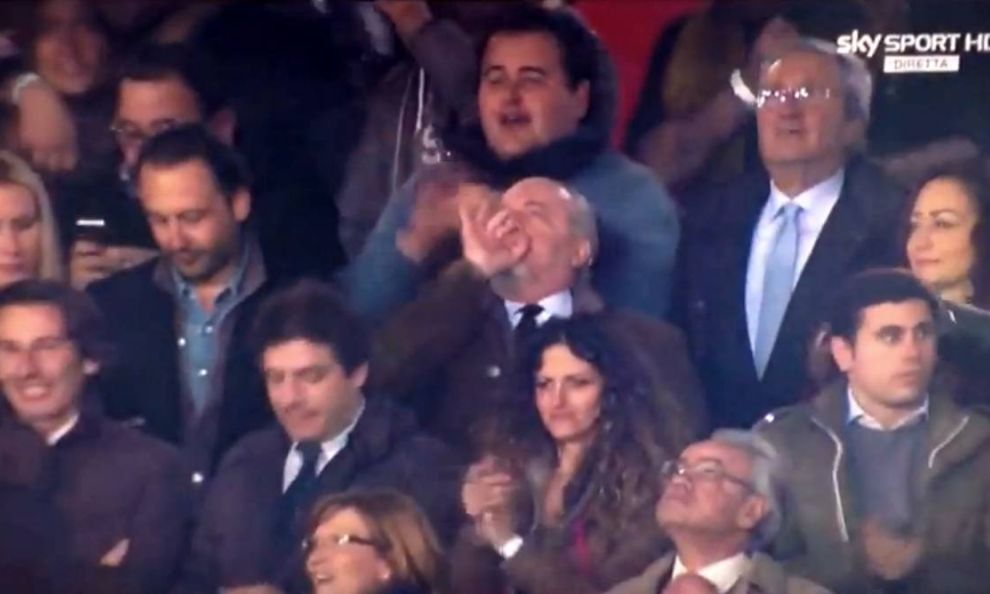 Aurelio De Laurentiis, pernacchia dopo gol Callejon in Napoli-Roma (foto)
