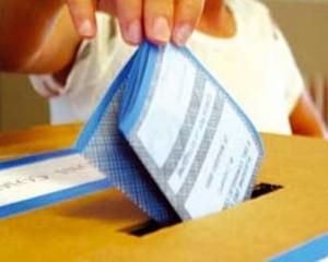 Sondaggio Piepoli: Pd 34,5%, M5S in calo. FI al 20%. Ncd paga il caso Gentile
