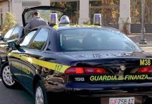 """Equitalia, ex funzionari arrestati: """"Tangenti per pagare a rate le cartelle"""""""