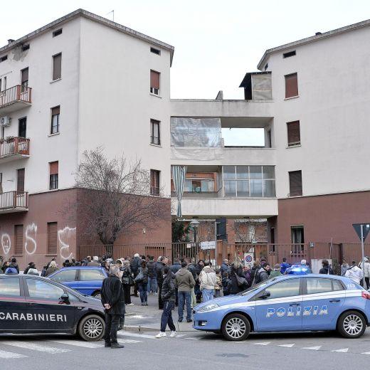 Il palazzo dove è stata uccisa Libanny (Foto Ansa)