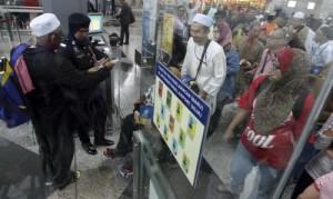 """Malesia, aereo scomparso: """"E' stato dirottato"""". Indagini sui passeggeri"""