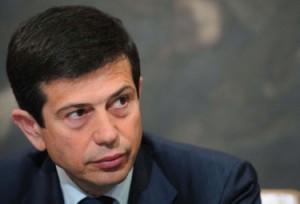 Maurizo Lupi contestato dai Forconi a Bergamo: lancio di uova e scontri