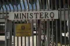 Stipendi dirigenti ministeri: top alla Sanità (243 mila euro in media)