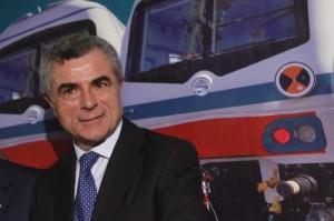 """Mauro Moretti: """"Super stipendio? Ma se guadagno meno di Michele Santoro"""""""