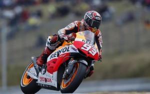 MotoGp: vince Marquez ma Valentino Rossi dà spettacolo in Qatar (LaPresse)