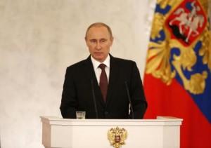 Putin firma l'annessione della Crimea. Isolato da Ue, Usa e Giappone