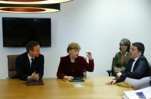 Matteo Renzi con Cameron e Merkel