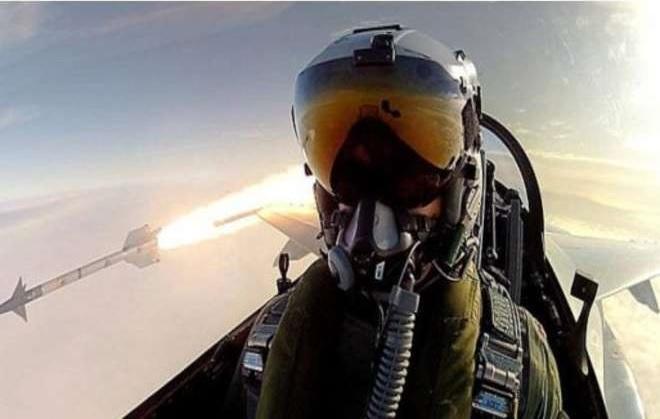 selfie bombardamento
