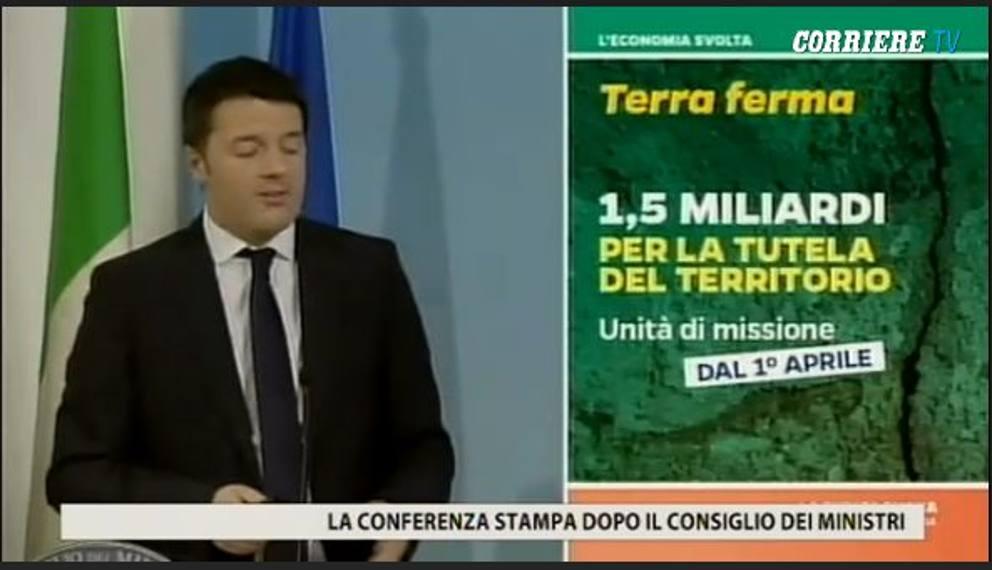 """Renzi e le slide delle riforme: """"Pesce rosso tema fondamentale"""" (foto) 5"""