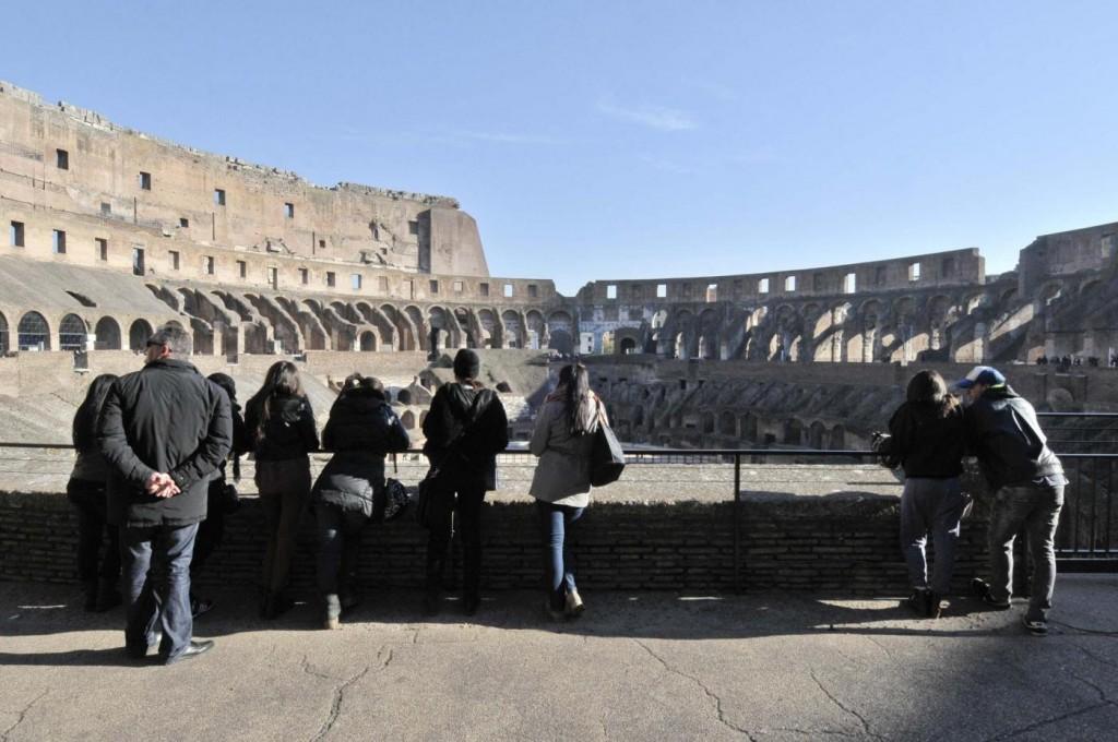 """Roma, guide turistiche: """"Scippatori, degrado... Visitatori in fuga"""""""