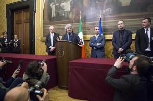 Grillo parla dopo le consultazioni (LaPresse)