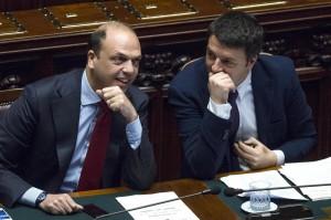 Alfano e Renzi (LaPresse)