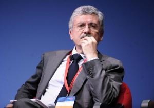 """Massimo D'Alema, il vigneto a Otricoli e la nomina del """"vignaiolo"""" alla Ismea"""