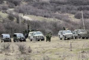 Crimea, mille uomini armati bloccano un'unità della Guardia costiera di Kiev