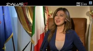 Virginia Raffaele nei panni di Maria Elena Boschi