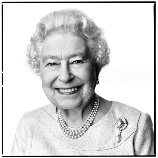 La Regina Elisabetta festeggia gli 88 anni con un nuovo ritratto