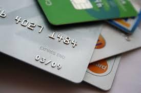 Carte di credito clonate, affari da 100mila euro al giorno: 7 arresti a Roma