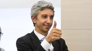 berlusconi premier in romania? diaconescu lo tenta, lui va a caccia di voti romeni