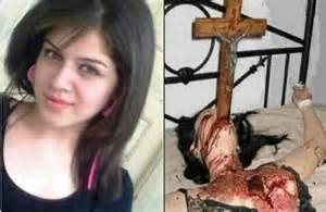 Guarda la versione ingrandita di Siriana cristiana orribilmente torturata e uccisa
