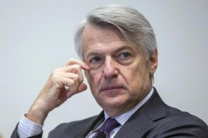 Ferruccio De Bortoli: contro di lui attacco da Marco Travaglio, per lo scambio di lettere con Napolitano