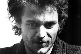 Il bel René rischia i soldi del film per un debito con la giustizia