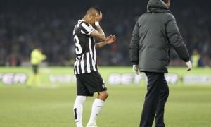"""Juventus, Vidal spaventa Conte: """"Ginocchio mi fa male, si è girato"""""""