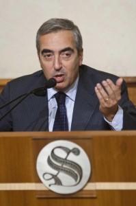 """Maurizio Gasparri a processo, pm: """"Polizza vita da 600mila€ con fondi Pdl"""""""