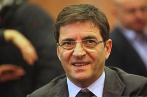 """Nicola Cosentino arrestato: """"Aggravante amicizia e favori da clan Casalesi"""""""