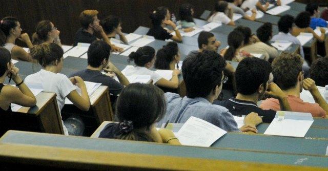 Test d 39 ingresso medicina plico manomesso a bari rischio for Test ingresso economia