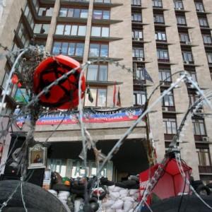 Ucraina, scontri a Sloviansk: morti 2 insorti. E cresce debito Kiev per il gas