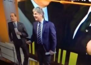"""Berlusconi """"cacciato"""" da Quinta Colonna. Rischiava di violare il rientro a casa (VIDEO) - 2"""