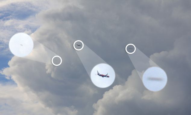 Australia, ufo nel cielo accanto a un aereo Virgin a Bondi Beach01