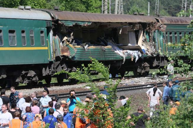 Mosca, incidente tra due treni a Naro-Fominsk: diversi morti (foto) - Blitz quotidiano