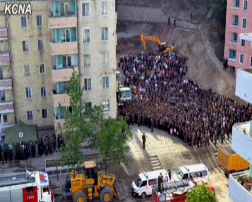 Corea del nord crolla edificio di 23 piani il governo si for Piani di costruzione dell edificio