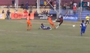 Calcio in pancia dal portiere, giocatore muore in ospedale (VIDEO)