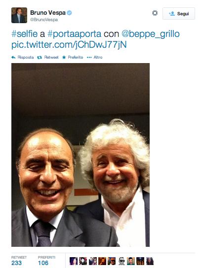 Selfie Beppe Grillo-Bruno Vespa: la foto da twitter